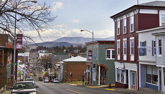 Main Street, Luray, Virginia Tourism Corporation, www.Virginia.org.